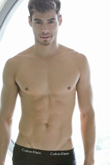 Your Hunk of the Day: Daniel Macedo