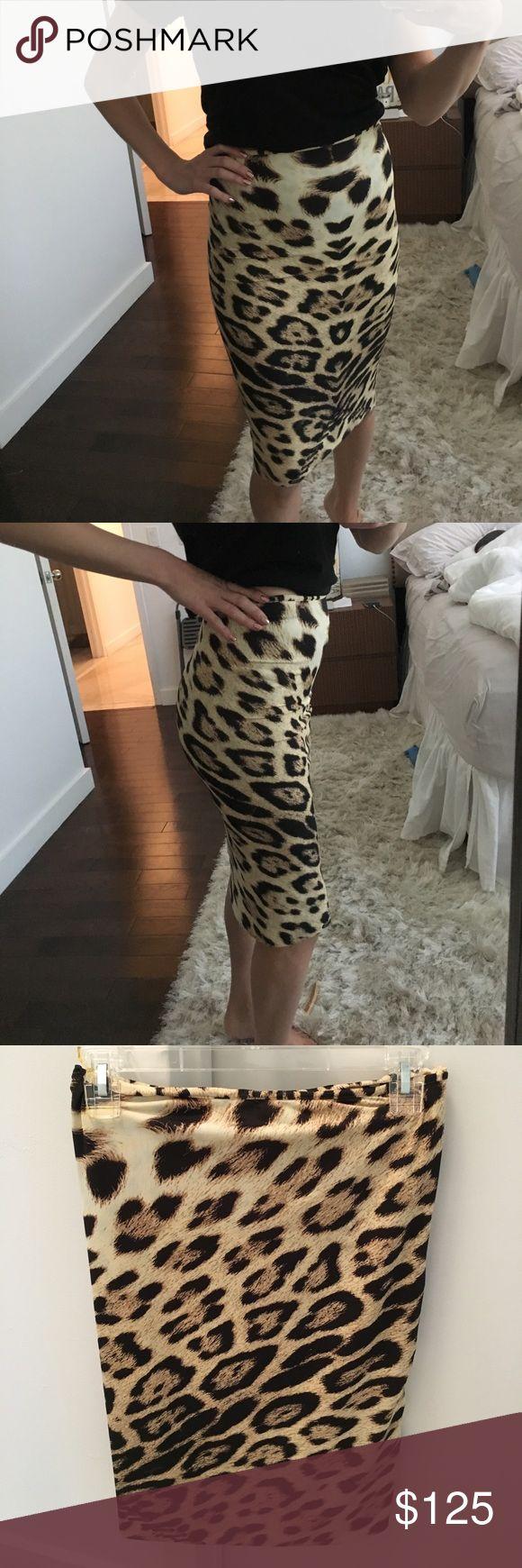 Roberto Cavalli Cheetah Skirt Roberto Cavalli Cheetah Print Skirt. So flattering and so nice. Size 38 = size 2 U.S.  perfect condition. So stretchy and comfortable Roberto Cavalli Skirts Pencil