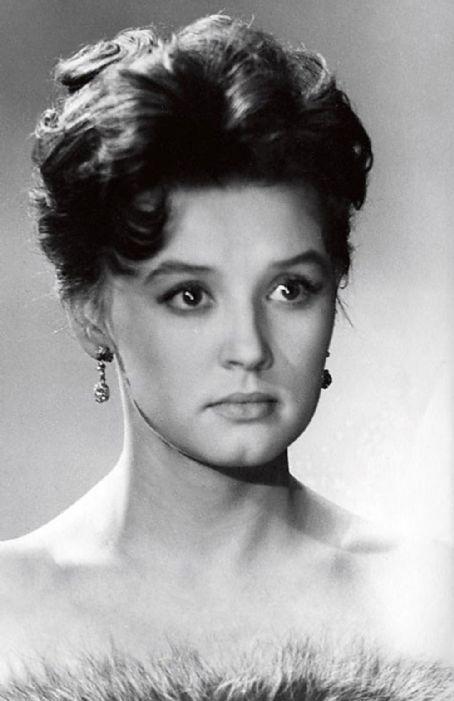 russkie-aktrisi-znamenitie-russkoe-porno-svyatih