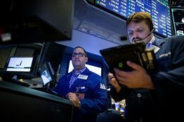 Stock Market Today – Stocks to Watch #business #sale http://bank.remmont.com/stock-market-today-stocks-to-watch-business-sale/  #stocks to watch # Stocks finished higher this week even as today s release of the August payrolls report did little to clarify the direction of monetary policy. The S P 500 advanced 0.5% this week after rising 0.4% to 2,179.98 today. The Dow Jones Industrial Average rose 0.5% this week after advancing 72.66 points, … Read More →