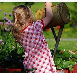 Childrens fabric and fabrics, Sewing, sy, sytt, nähen, liandlo, kinderstoffe, stoff, kangas, tyg, tyger, Fabric for children, sewing, strawberries, strawberry, jordgubbe, jordgubbar