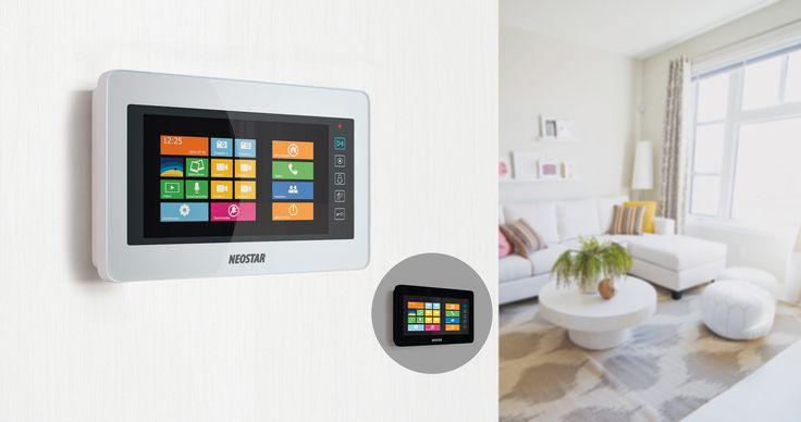 """Die 7"""" Video Türsprechanlage mit Windows-Interface zeichnet sich durch ihr überragendes Touchscreen-Display aus. Es bietet hohe Auflösung, Kontraststärke und originalgetreuer Farbwiedergabe. An eine Videostation können bis zu 2 Türstationen, 4 Überwachungskameras, 3 Erweiterungs-Videostationen, sowie 1 TV-Gerät gleichzeitig angeschlossen werden.Dank dem erweiterbaren Speicher können Bilder und Videos von Besuchern intern gespeichert und jederzeit abgerufen werden."""