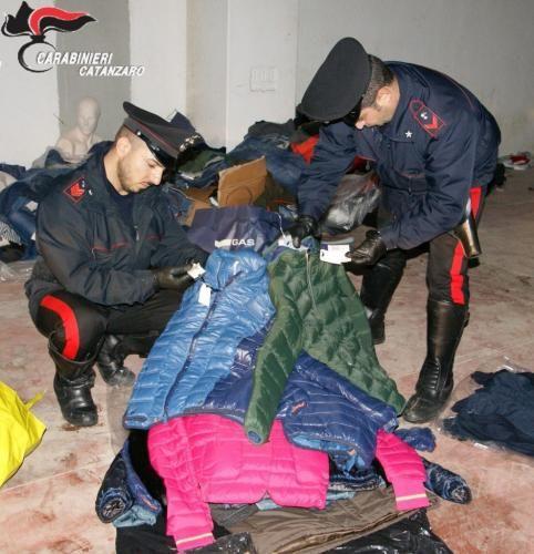 Calabria: #Furti nel #Catanzarese scoperto deposito e recuperata ingente refurtiva (link: http://ift.tt/2fQERIi )