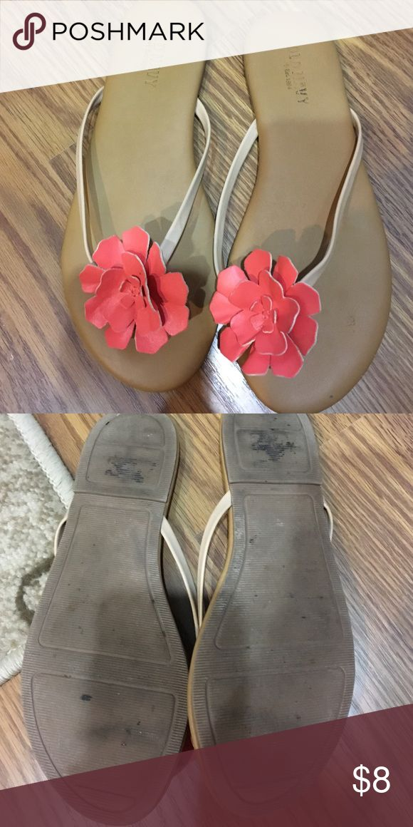 Old Navy flip flops size 7 1/2 Orange-peach color flower. Rarely worn. No exact size listed but fit me at 7 1/2. Old Navy Shoes Sandals