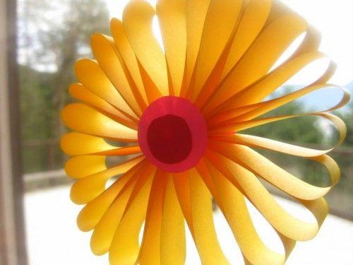 16 best images about maya l 39 abeille on pinterest - Pliage papier fleur ...