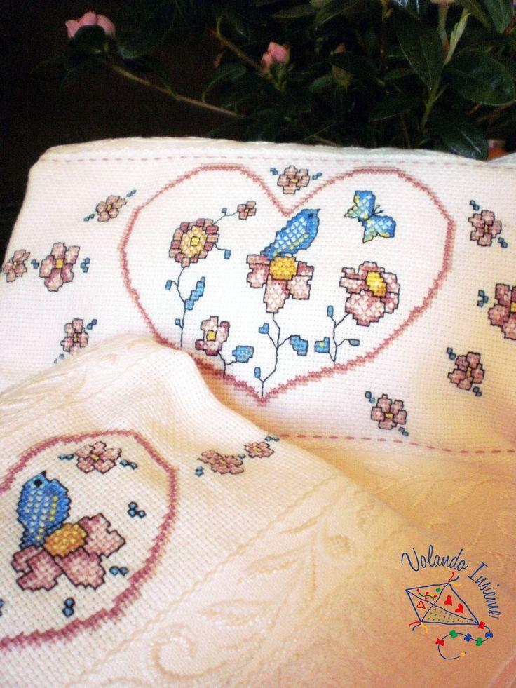 Asciugamani con ricamo a punto croce