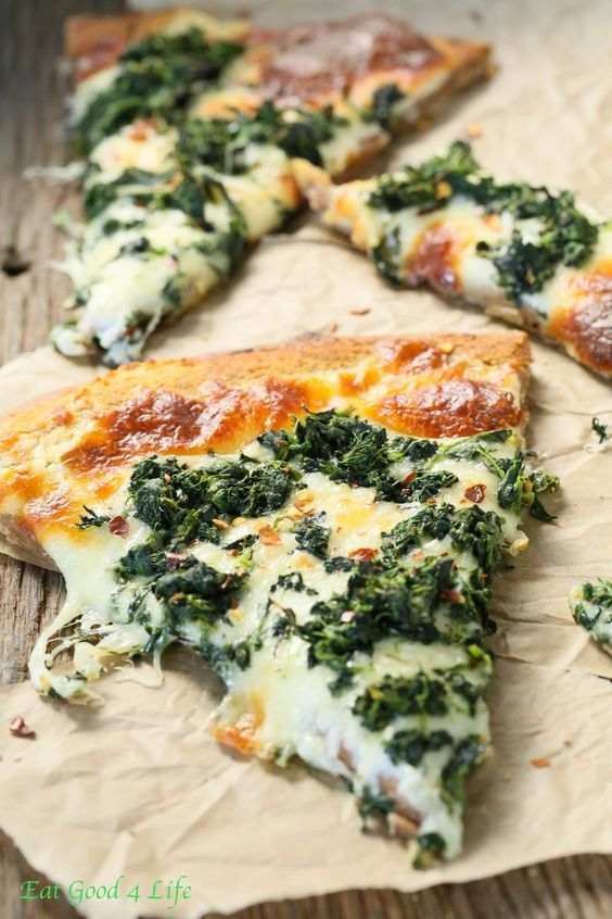 I love white pizzas. READ and PIN then make. Roasted Garlic Spinach White Pizza: