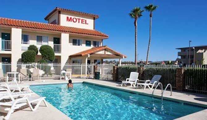 BridgeWater Motel Lake Havasu City Are you planning a vacation or just looking for a place to go? Whichever it is, you can make it an unforgettable experience at Lake Havasu. Hotel accommodations and location are perfect for you, your... #Hotel  #Travel #Backpackers #Accommodation #Budget
