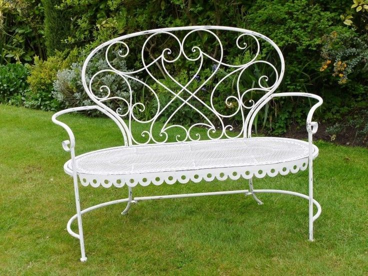 Delightful Shabby Chic Vintage Style White Metal Wrought Iron Garden Bench  Seat
