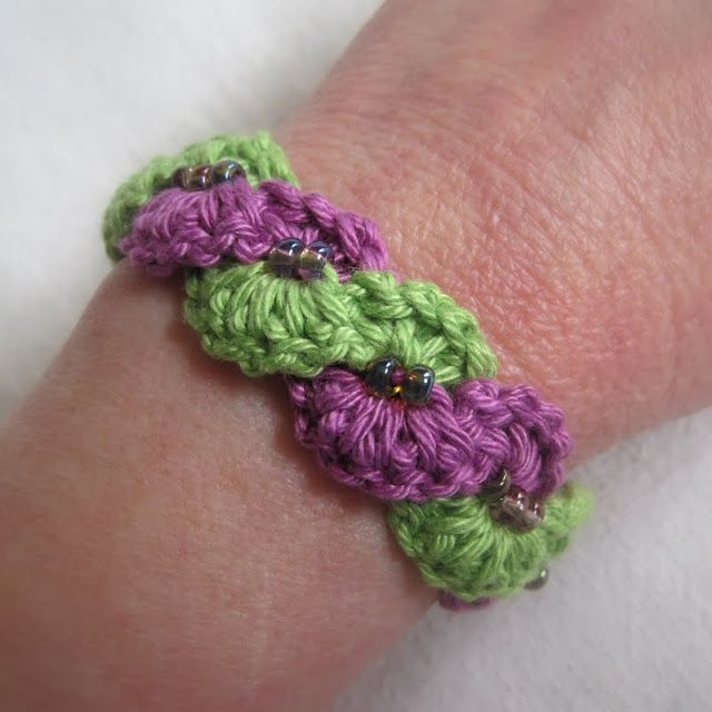 Winding Lane Bracelet ~ Free Crochet Pattern with Video Tutorials