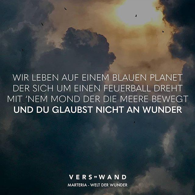 Visual Statements®️ Wir leben auf einem blauen Planet der sich um einen Feuer… – VISUAL STATEMENTS – GutPin