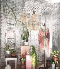 Selva urbana: dicas sobre como fazer uma vitrine da primavera verão. O…  – tubos