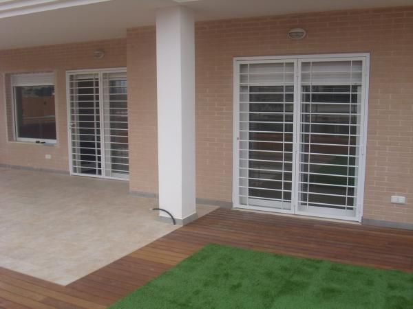 17 best ideas about rejas ventanas on pinterest vallas - Modelos de puertas de aluminio ...