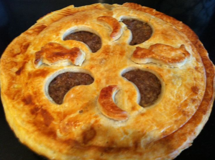 Nice looking meat pie