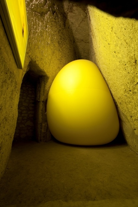Hans Hemmert, Yellow sculpture, 1998