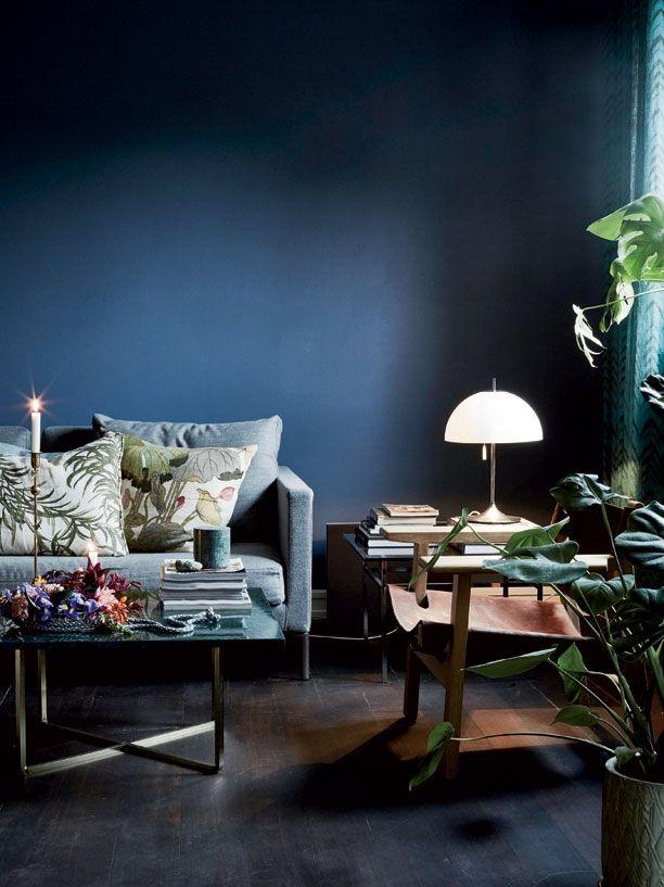 1000 ideas about dark blue paints on pinterest dark blue rooms dark blue color and blue palette - Dunkelblaue wand ...
