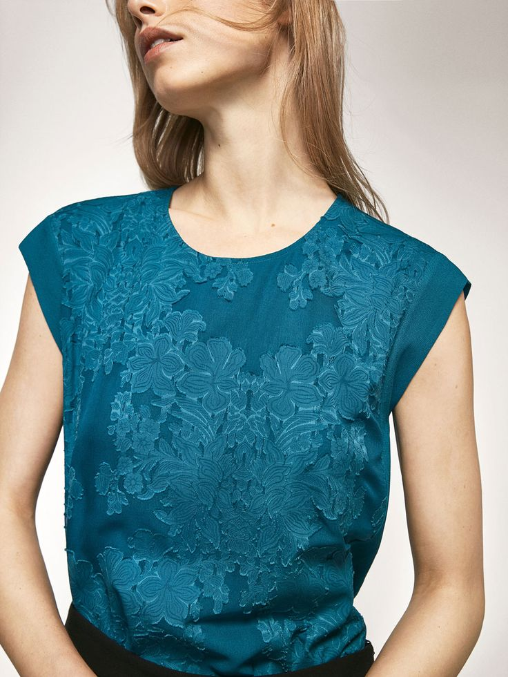 Autumn winter 2016 Women´s DEVORÉ FLORAL T-SHIRT at Massimo Dutti for 69.5. Effortless elegance!