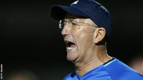 Tony Pulis: West Brom boss will not resign despite disappointing transfer window - BBC Sport