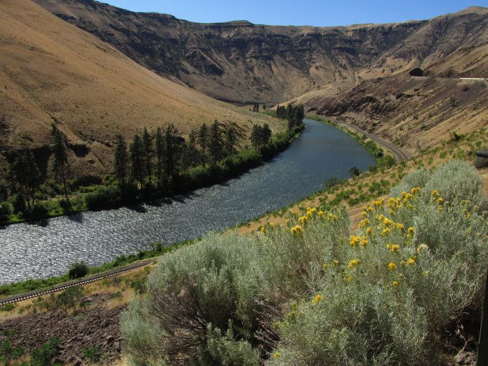 Yakima River Canyon - You'll be amazed by this 15-mile canyon located between Ellensburg and Yakima.