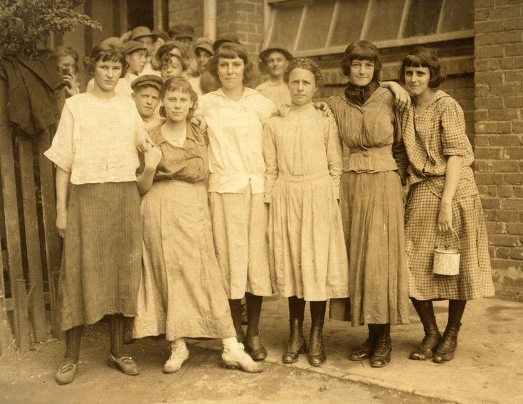 "1913 Workers Lane Cotton Mill, New Orleans Vintage Photograph 8.5"" x 11"" Reprint"