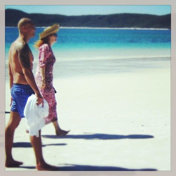 @michaelklim1 & @cleoglyde take a stroll on #Whitehaven beach #Whitsundays @Hamilton Island #return2paradise