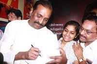 Latest Images of Kaviperarasu Vairamuthu Meets and Greets His Readers at Chennai Book Fair 2016 Photos Hot Gallerywww.vijay2016.com