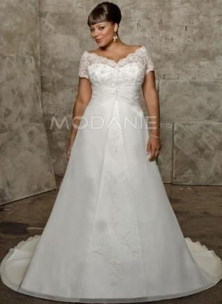 col en V robe de mariée grande taille manches courtes                                                                                                                                                                                 Plus