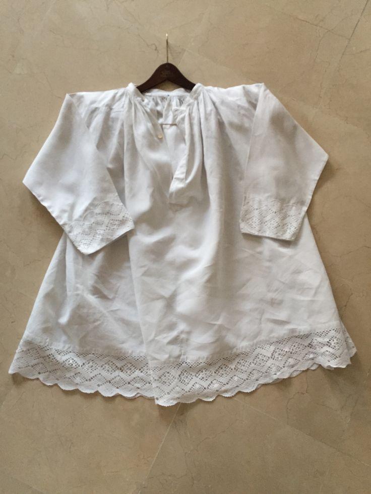 Antique linen/hemp loose top with linen handmade bobbin lace #style #gifts #beldentel #beldentel2 #farmhousestyle #antique19 thcentury #linenlacesmock