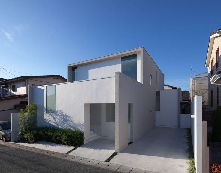 Heute reisen wir in den fernen Osten - Hier baute das Architekturbüro Rinatsu Nishioka ein modernes Einfamilienhaus mit dem perfekten Eingangsbereich.