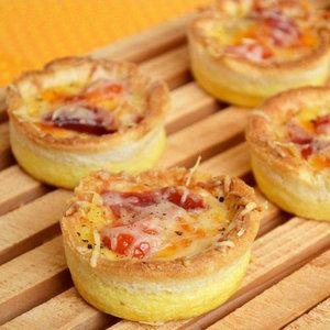 mini quiches en coquilles de pain, au jambon et cheddar