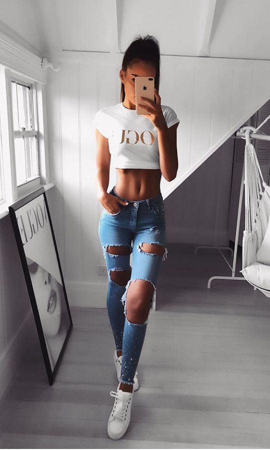 60+ Crop Top And Jeans Outfits Ideas Outfit, Outfit ideen