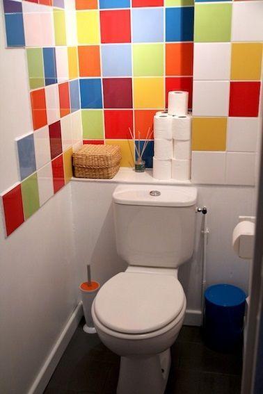 Un carrelage coloré pour les WC