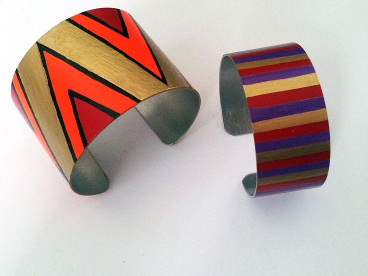diy tribal cuffs: Cuffs Bracelets, Paintings Bangles, Hands Paintings, Paintings Cuffs, Cuffs Diy, Paintings Pens, Diy Paintings, Christmas Gifts, Diy Cuffs