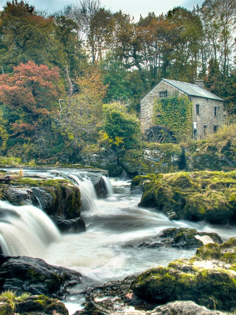Cenarth. Cymru/Wales. Been here with Neil to see if we could spot salmon jumping! His father took him here when he was a boy.