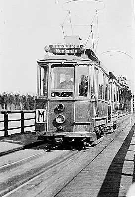 M-linja Munkkiniemeen. M tram to Munkkiniemi, Helsinki