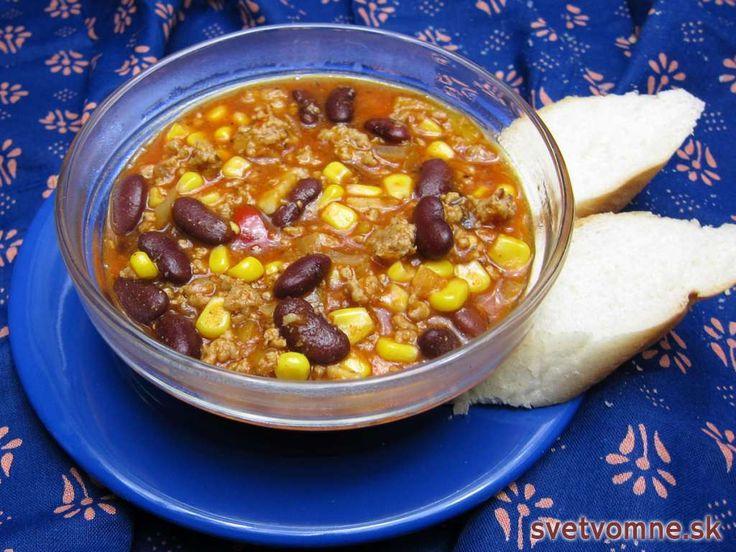 Čili kon karne je obľúbené mexické a španielske jedlo. Jeho príprava je pomerne jednoduchá, keďže sa varí v jednom hrnci, ale tú hodinku varenia vám zaberie celú. Odmenou za čas strávený varením vám budú vylízané taniere ...