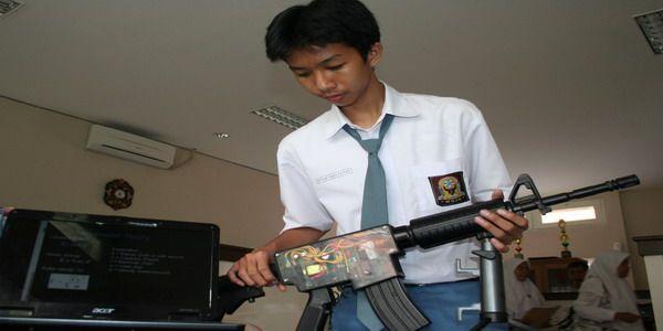 Tarif kepemilikan senjata api di Indonesia !