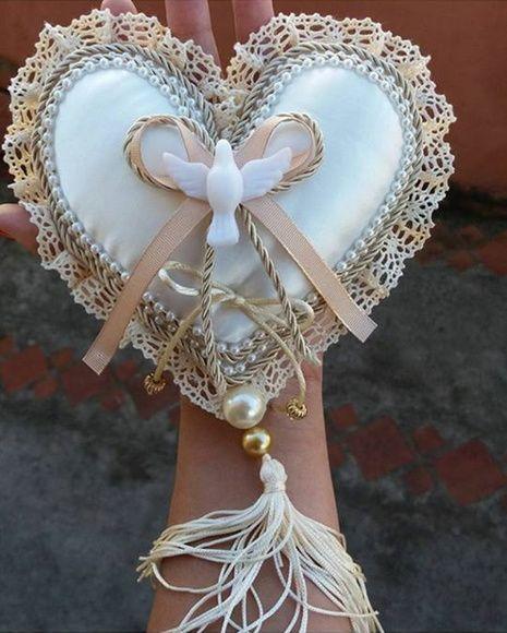 Porta Alianças Almofada Rústica com Coração.