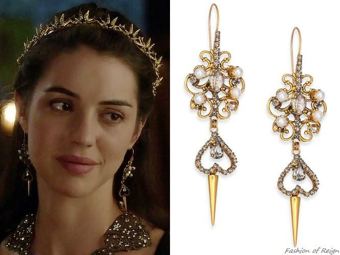 In The Epiasode 4x05 Highland Games Queen Mary Wears A Pair Of These Sold Out Erickson Beamon Reign Fashion Pearl Chandelier Earrings Earrings Inspiration