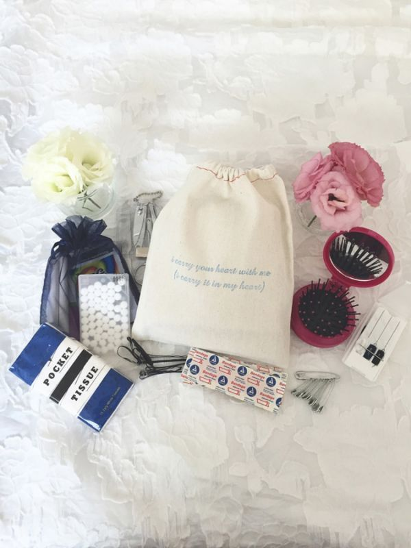 How to create an emergency kit for the bride and bridesmaids - Tights, tampons and tissues | CHWV