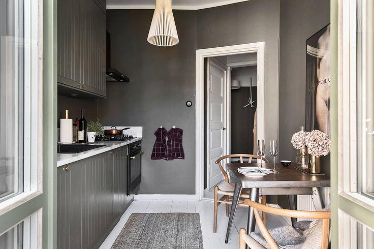 Gravity Home: Grey Studio Apartment