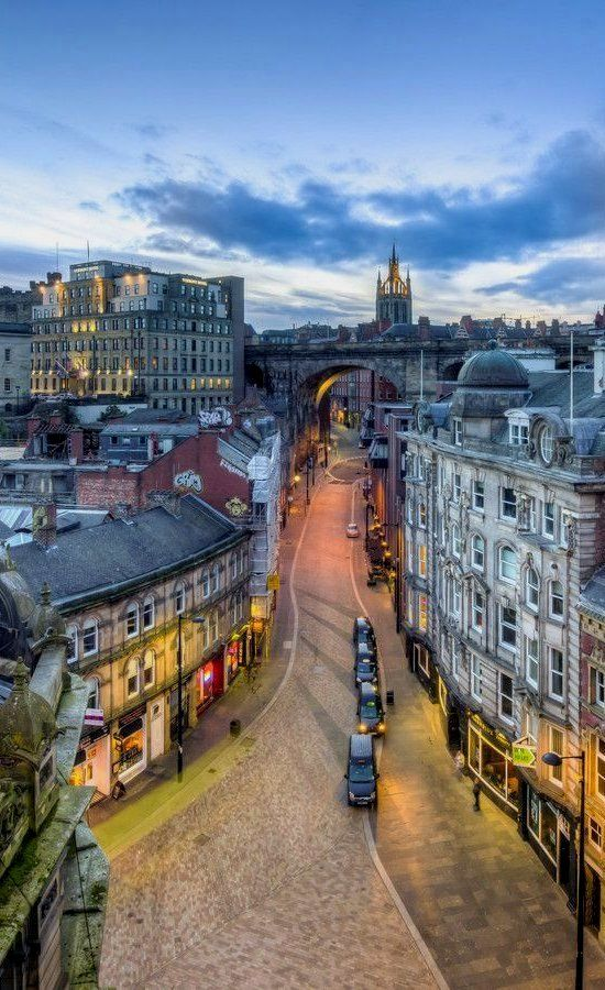 Dean Street - Tyne Bridge Things to do in Newcastle aside for joining the Social Media: The Essential Toolkit training course that takes place on December 3rd bit.ly/1xQnxTs #thingstodo #Newcastle