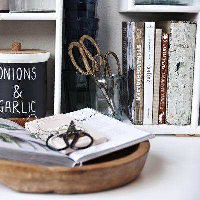 Snygg och praktisk sax med jutehandtag som passar både på skrivbordet, i köket eller i örtträdgården.