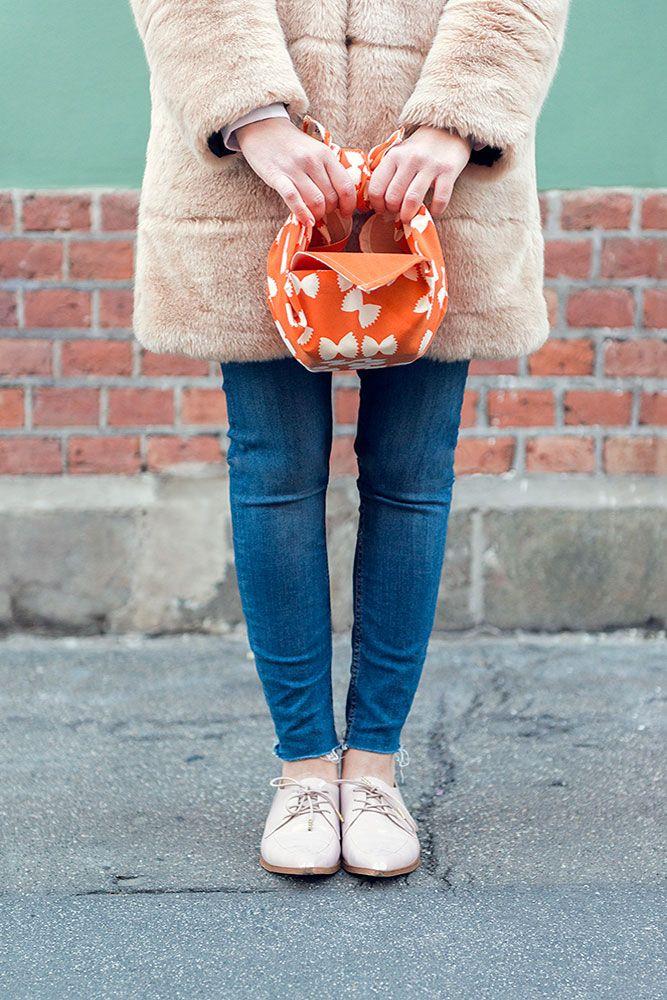 Furo Chic with Pesto Sauce. Tablecloth-Bag
