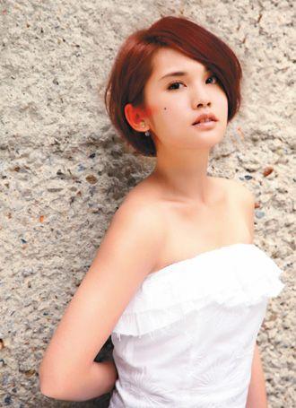 Elegant Rainie Yang #purlisse #physique57