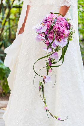 Cascading Bridal Bouquet. Orlando wedding flowers. www.carlyanes.com