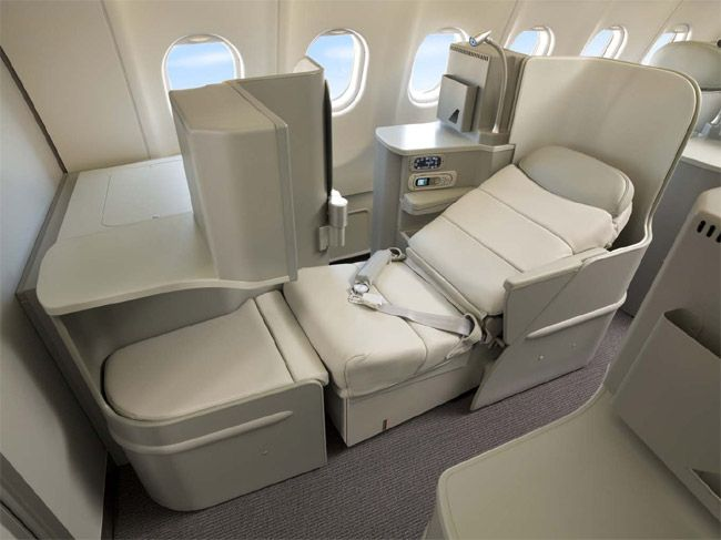 UA 777 200 First Class | ... unveils new flat-bed Business Class seat on Boeing 777 aircraft