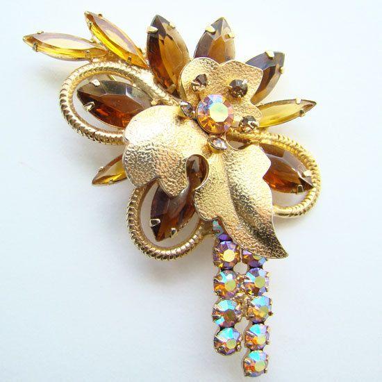 C1962 Juliana DeLizza Elster Topaz Navette Pin Gold by redroselady
