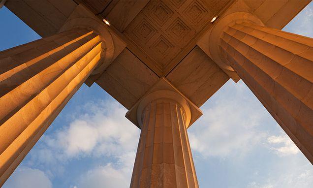 Los 10 pilares sobre los que debe reposar la estrategia de branding de una marca  http://www.puromarketing.com/3/29193/pilares-sobre-debe-reposar-estrategia-branding-marca.html