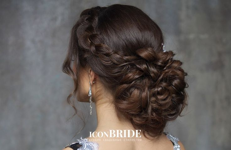 выпускные прически средней длины - ободок из волос